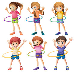 Kids playing hulahoop