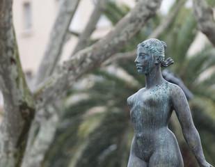 Statue femme