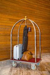 valiz taşıma arabası