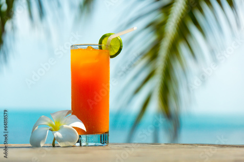 Fotobehang Cocktail Tropical cocktail