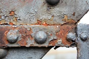 Rost an der Stahlkonstruktion einer Brücke