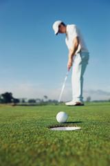 Putting golf man