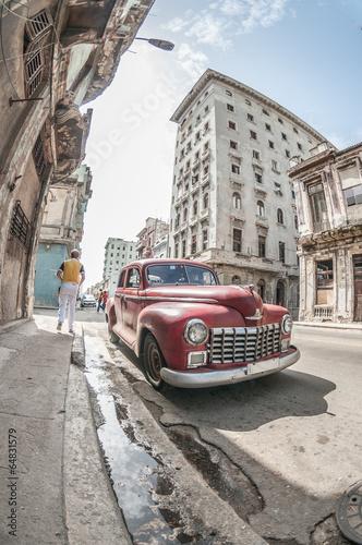 Havana old car - 64831579