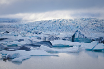 Beatiful vibrant picture of icelandic glacier and glacier lagoon