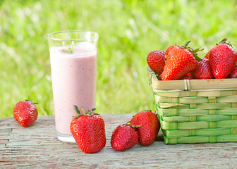 strawberry smoothie with fresh organic strawberries