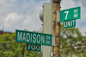 madison avenue sign