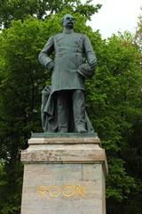 Denkmal des deutschen Politikers Albrecht von Roon in Berlin