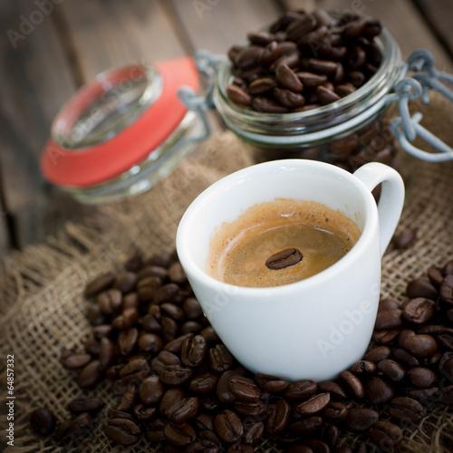 Espresso mit Espressobohne