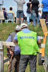 personal de organizacion y rescate en circuito de carreras