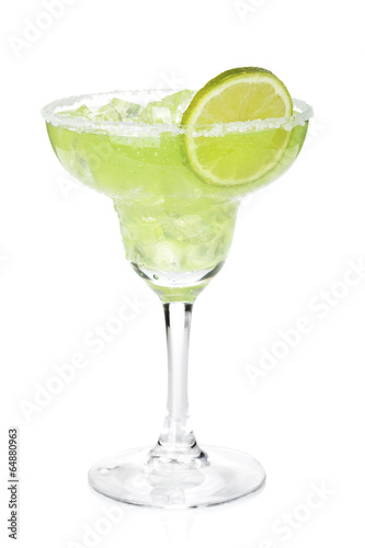 Fotobehang Cocktail Classic margarita cocktail with lime slice and salty rim