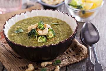 Roasted broccoli soup with cashews