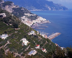 Farmland and coast, Lone, Amalfi Coast, Italy.