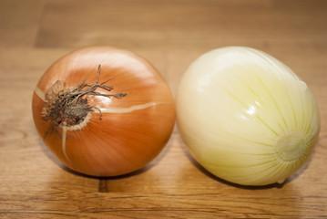 Onion and Peeled Onion