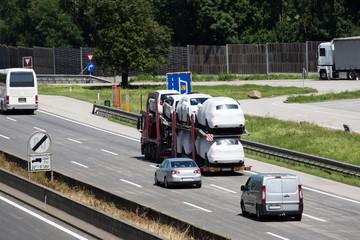 Lastwagen auf der Autobahn