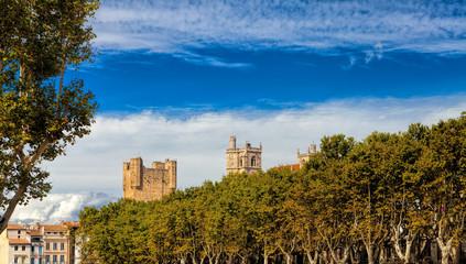 Narbonne mit Blick auf die Türme der Kathedrale