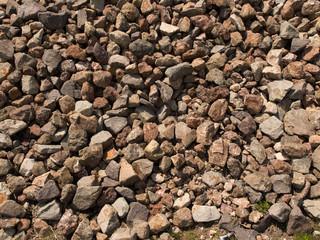 積み上げられた岩