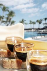 Espresso am Pool 2