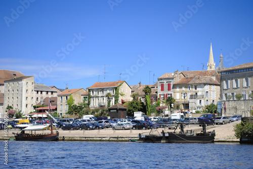 Bergerac port, Dordogne river France - 64916599