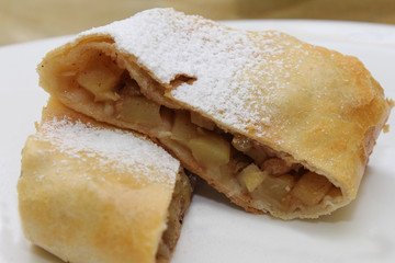 home strudel with apples