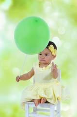 Kind mit Ballon
