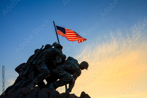 Fotobehang Historisch mon. Iwo Jima Memorial Washington DC USA at sunrise
