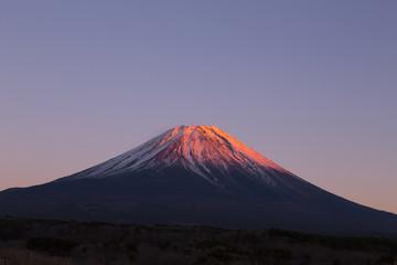絶景!夕日で赤く染まる富士山(紅富士)