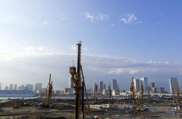 再開発が進む湾岸エリア 大規模開発現場 イメージ