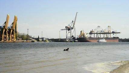 Hafenrundfahrt im Hafen von Swinemünde, Polen