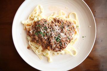 Spaghetti fettucine bolognese