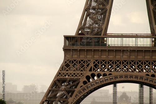 Paris - 64936351