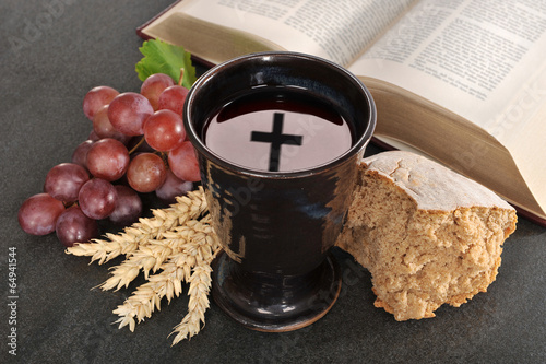 Brot und Wein - 64941544