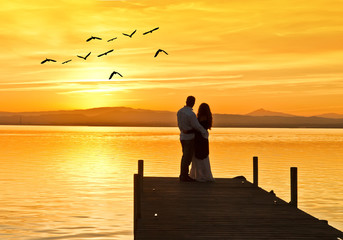 amor en el embarcadero del lago