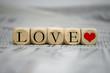 Würfel mit Love und Herz