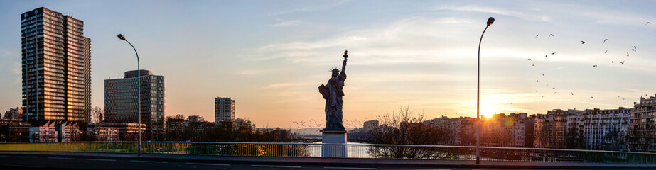 statue liberte paris