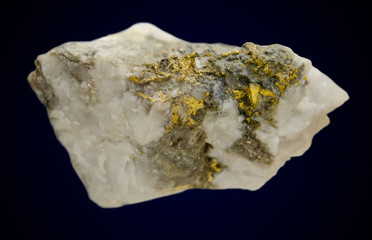 Quartz vein with lot of native gold