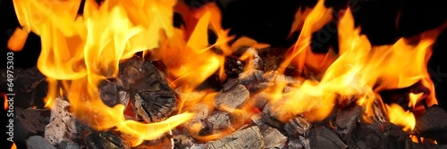 In de dag Vuur / Vlam Burning Charcoal close-up in BBQ and Flames in background