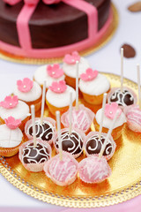 Chocolate and creamy pop cakes and cupcakes