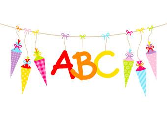 Hängende bunte Schultüten & ABC