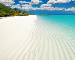 Clear white sand on Maldives island coast
