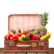 vecchia valigia piena di frutta e verdura