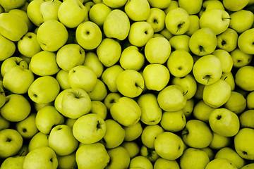 Mele verdi al mercato