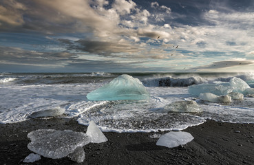 Melting Icebergs in the Sea