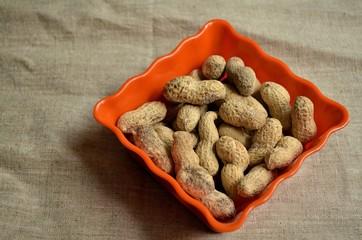 Cuenco con cacahuetes 1