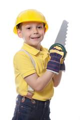 Kind als Bauarbeiter mit Helm, Säge und Schutzhandschuhen