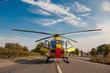 Leinwanddruck Bild - Rettungshubschrauber im Einsatz Notarzt Rettungsdienst