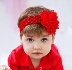 Девочка с красным бантом