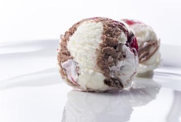 Cherry chocolate vanilla ice cream 1_2
