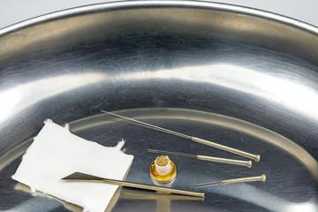 Akupunktur Nadeln,Messer, Moxakegel und Ohrnadeln