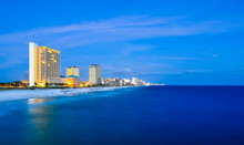 "Постер, картина, фотообои ""coastal skyline of panama city, florida at dusk"""