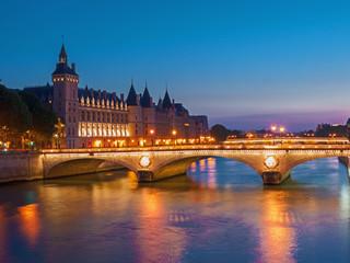 Pont au Change / Conciergerie